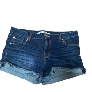 Celebrity Pink Blue Jean shorts 9
